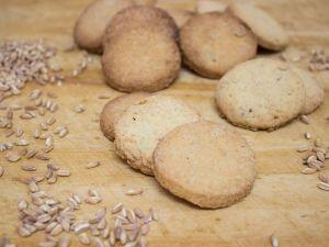 biscotti-al-farro-alonzi
